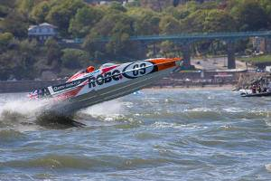 'Flying Quantum' in action at P1 racing in Scarborough – photo by Mike Rohtlaan