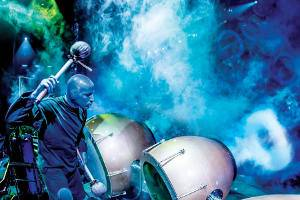 Robe Blue Man Group Photo by Lindsey Best BME2216